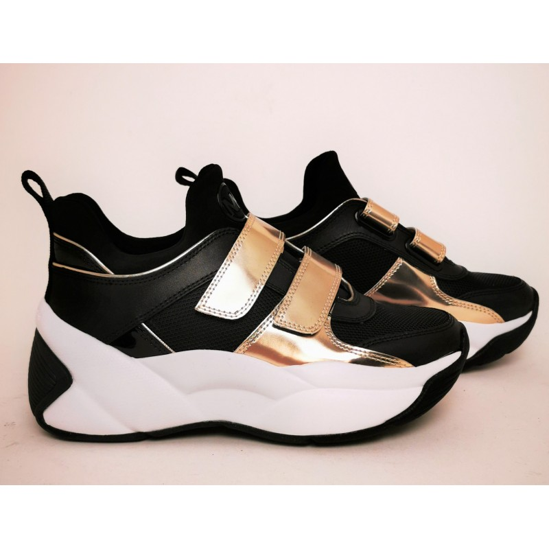 MICHAEL BY MICHAEL KORS - Sneakers KEELEY TRAINER in pelle - Nero/Pale Gold