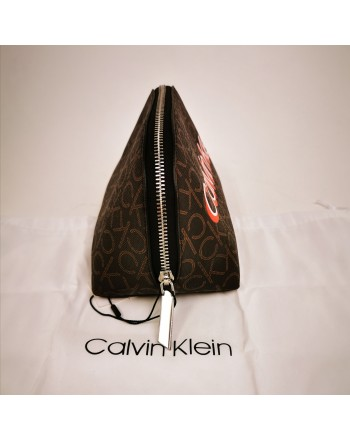 CALVIN KLEIN - Beauty-case Monogram in pelle - Brown