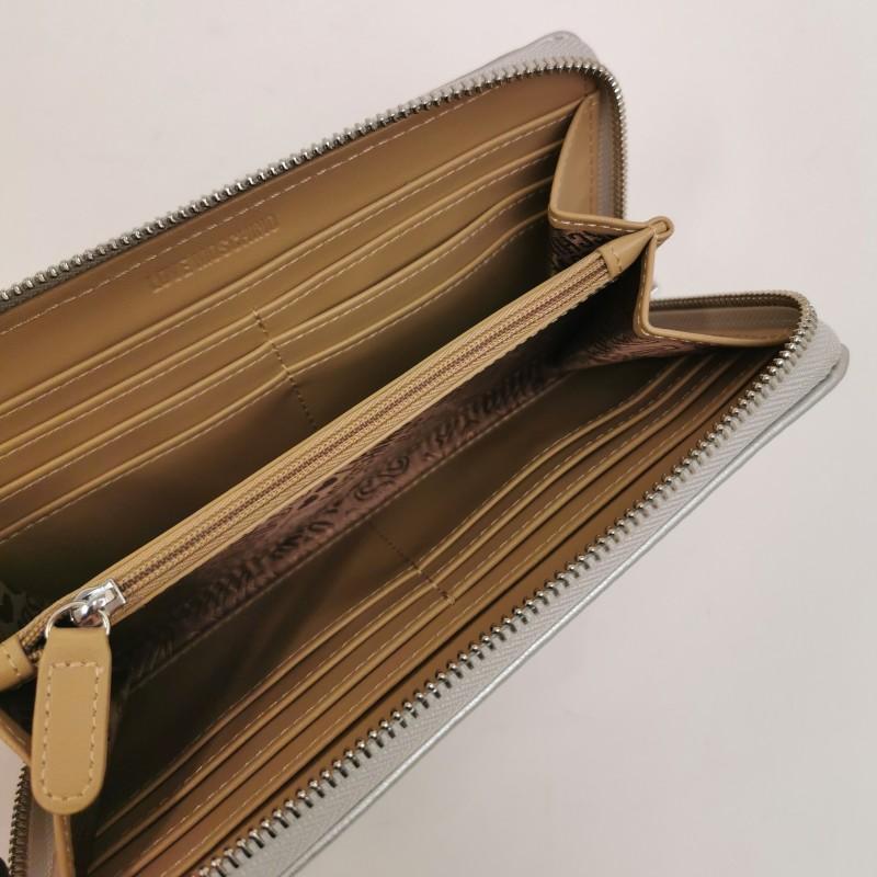 LOVE MOSCHINO -  Portafoglio con borchie a cuore - argento