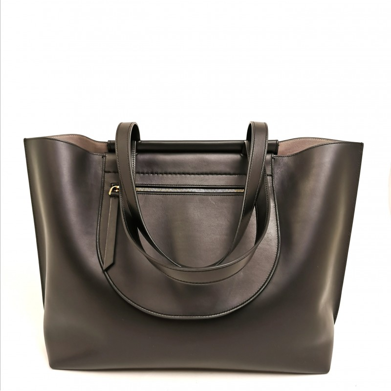 TOD'S - Leather Shopping bag with lateral pockets   - Black