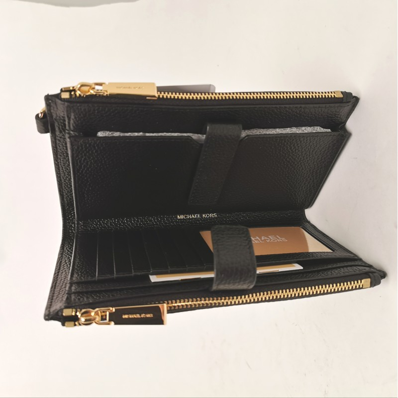 MICHAEL BY MICHAEL KORS - Leather wallet with wirstlet - Black