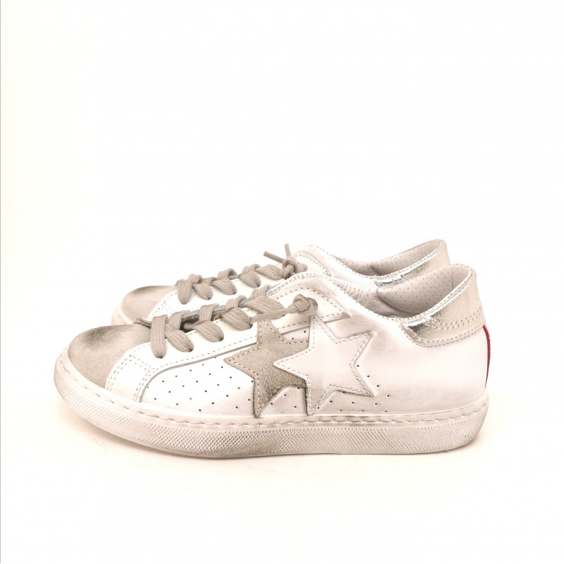 2 STAR - Sneakers in pelle effetto used - Bianco/Fucsia