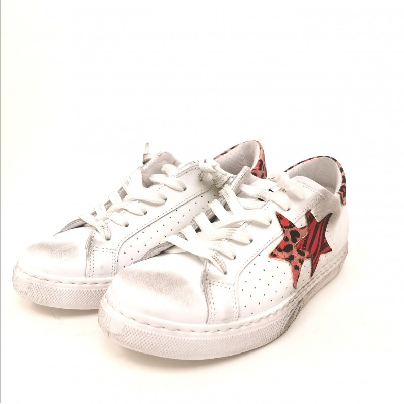 2 STAR - Animalier Detail Sneakers - White/Red Animalier