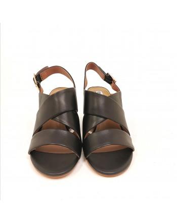 EMMANUELLE VEE - Crossed Sandals with Backside Buckle - Black
