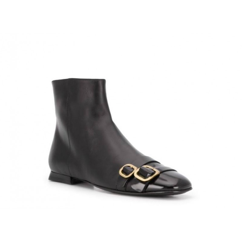 TOD'S - Boots with buckle - BLACK
