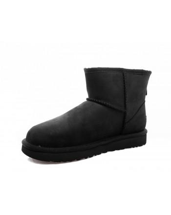 UGG - Mini Classic Boots - Black