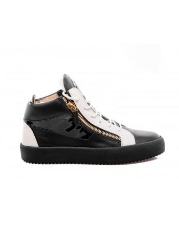 GIUSEPPE ZANOTTI - Sneakers alte effetto glossy con lacci bianchi - Nero