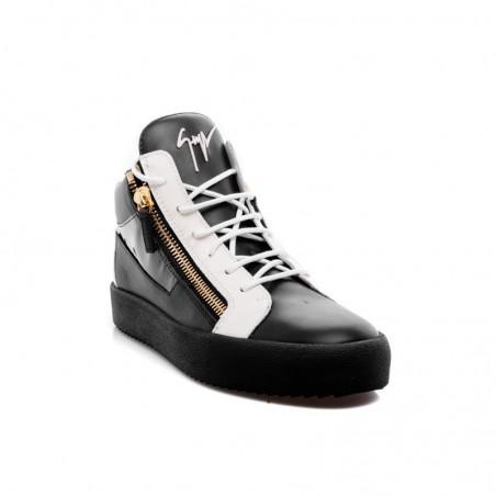 STUDIO ITALIA Sneaker donna nera in pelle con lacci e zip