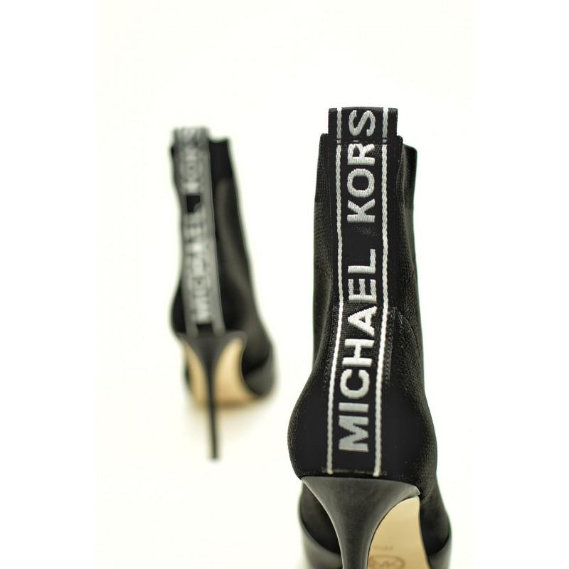 MICHAEL BY MICHAEL KORS - Stivaletto VICKY con Gambaletto Elasticizzato e Logo  - Nero