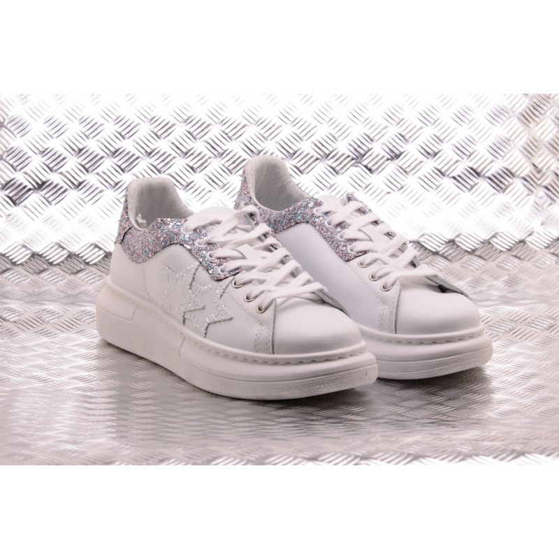 2 STAR - Sneakers in Ecopelle con Dettaglio Glitter - Bianco/Multicolor