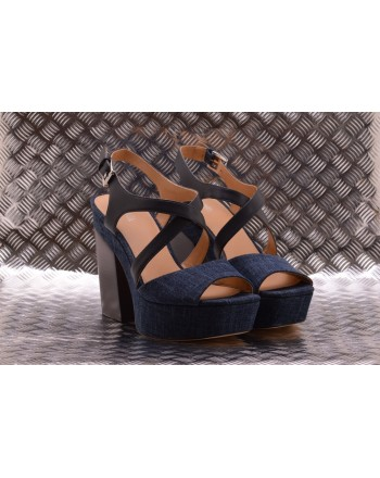 MICHAEL BY MICHAEL KORS -  Wide Heel Sandal  with Denim - Indigo