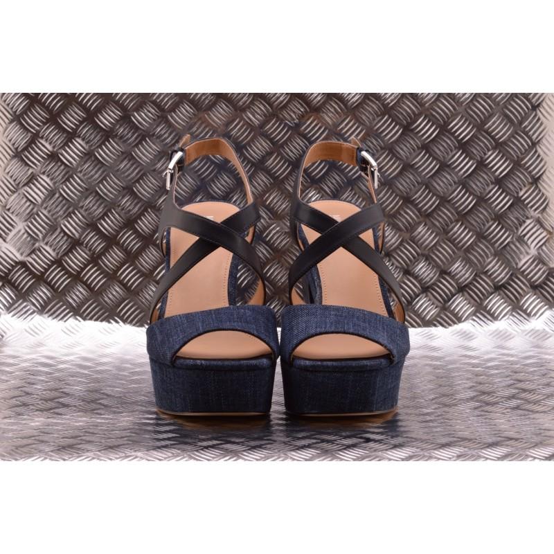 MICHAEL BY MICHAEL KORS -  Wide Heel Sandal  with Denim - Indigo