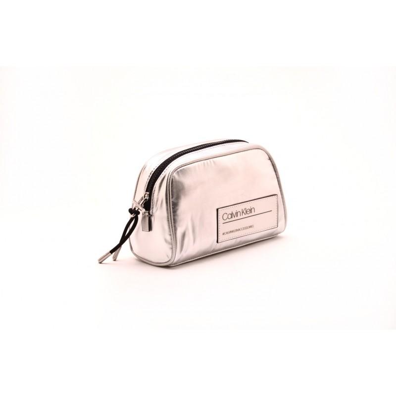 CALVIN KLEIN - Beauty Case con Logo - Silver