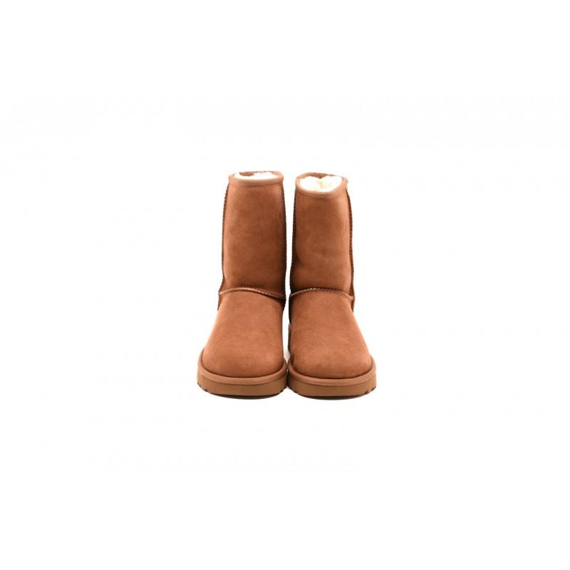UGG- CLASSIC SHORT II Boots- Chestnut