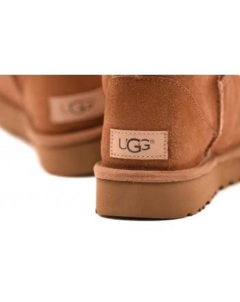 UGG - Stivale CLASSIC SHORT II - Chestnut