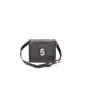 5 PREVIEW - Belt Bag - Black