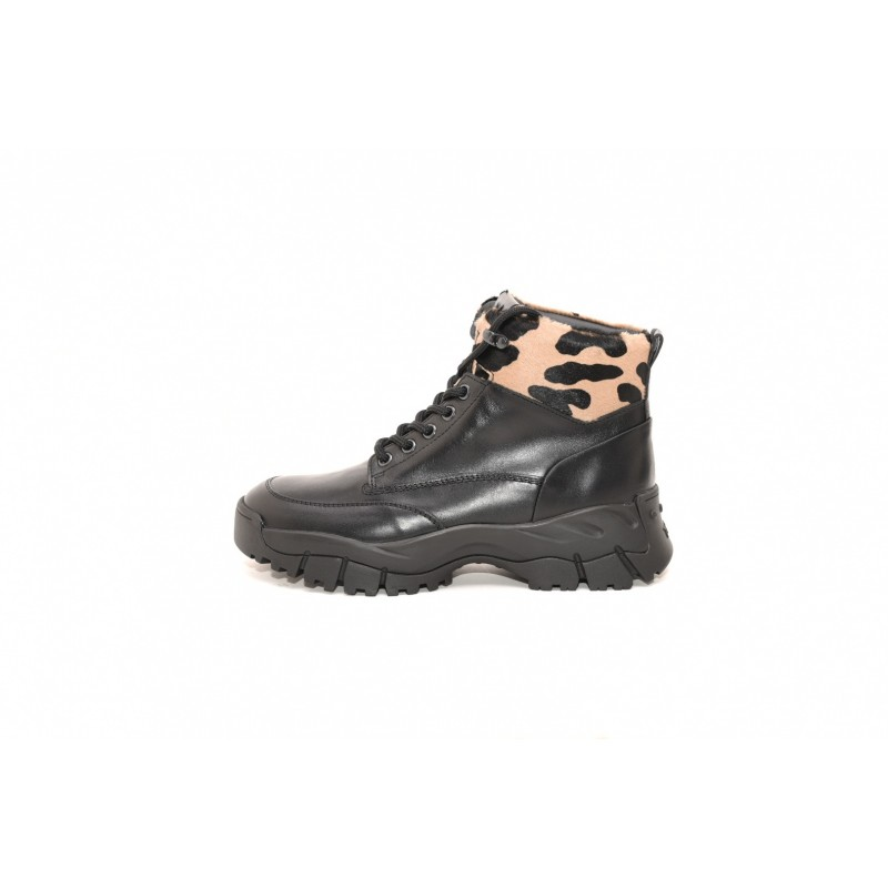 TOD'S - Leather ancke boot with Animalier insert - Black